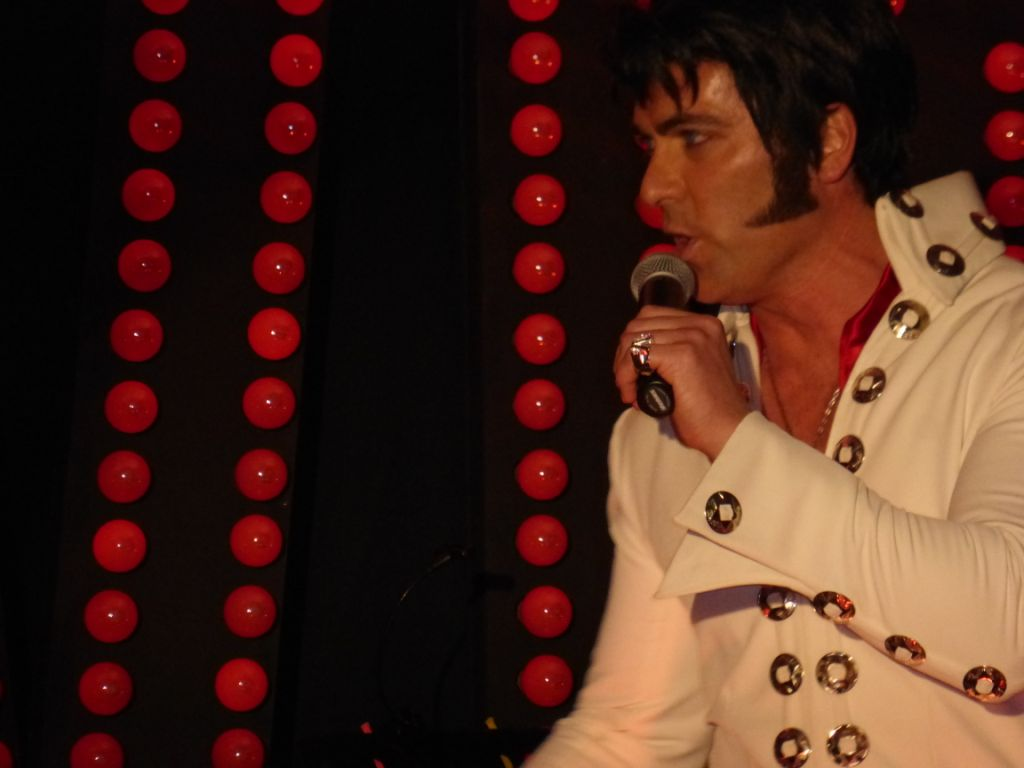 Elvis Impersonator Gold Coast Qld